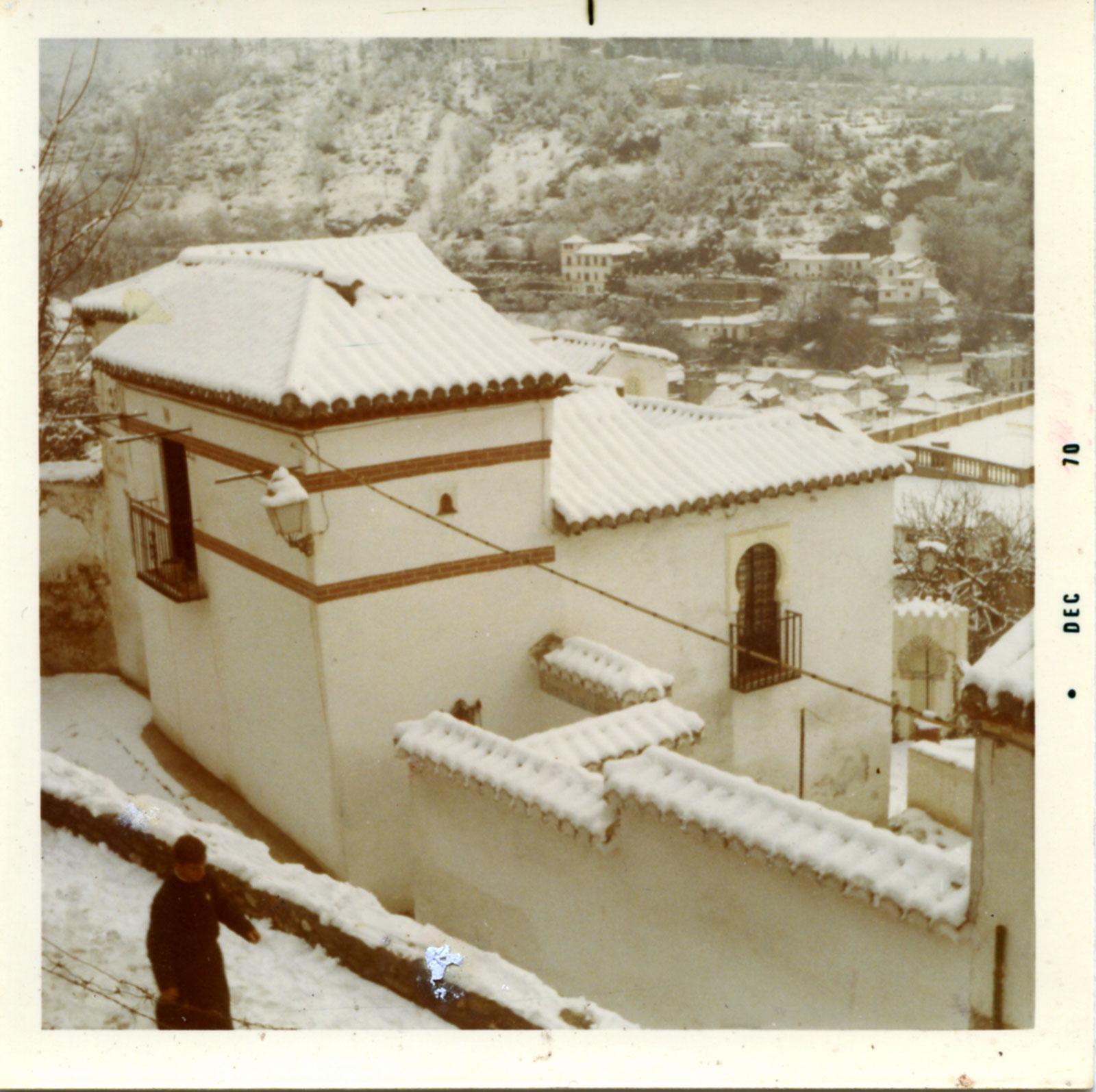 La casa de Aben Humeya restaurada por Alfonso de Borbón, Príncipe de Condé, durante la nevada de 1970
